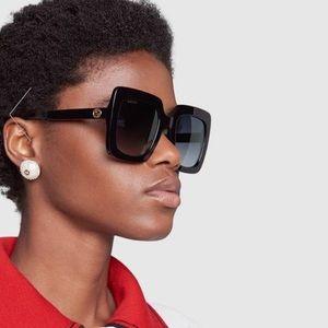 GUCCI large square sunglasses. gg0328s